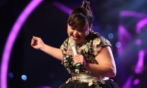 Cô gái mũm mĩm Bích Ngọc hát 'All the man that I need'