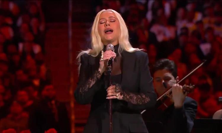 Christina Aguilera hát ca khúc Ave Maria tưởng niệm Kobe Bryant
