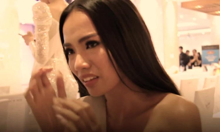 Mẹ đòi bán nhà cho Hoàng Phương thi hoa hậu