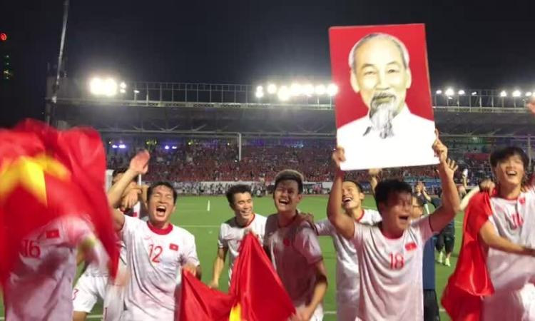 U22 Việt Nam ăn mừng chiến thắng