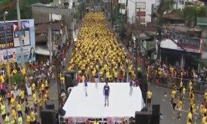 Gần 13.000 người lập kỷ lục nhảy Zumba tập thể