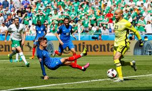 Pháp 2-1 CH Ireland