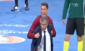 C. Ronaldo 'làm đủ trò' ở khu kỹ thuật