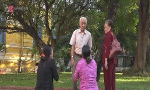Mẹ Vũ Văn Tiến vụ thảm sát ở Bình Phước vái lạy gia đình nạn nhân, xin tha cho con