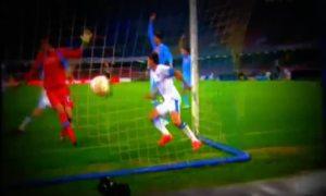 Cavani ghi cả bốn bàn giúp Napoli hạ Dnipro 4-2