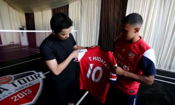 Dàn sao Arsenal giao lưu với fan Indonesia
