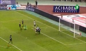 Demba Ba lập hat-trick tại vòng loại Champions League