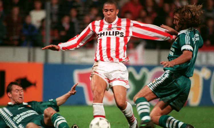 PSV - bệ phóng cho sự nghiệp của Romario và Ronaldo ở châu Âu