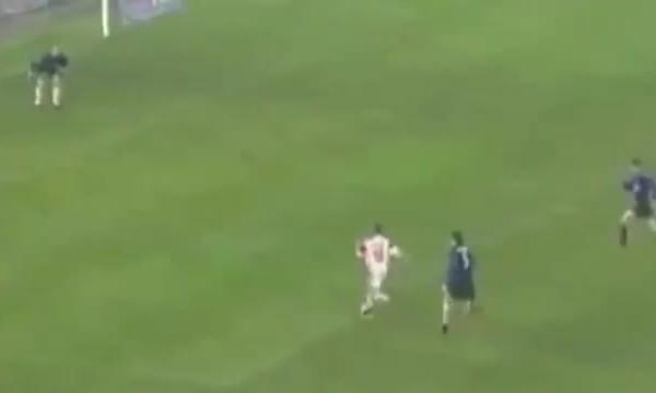 Cassano ghi bàn vào lưới Inter năm 1999
