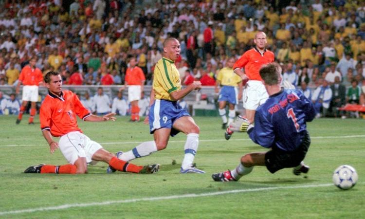 Bán kết World Cup 1998: Brazil - Hà Lan
