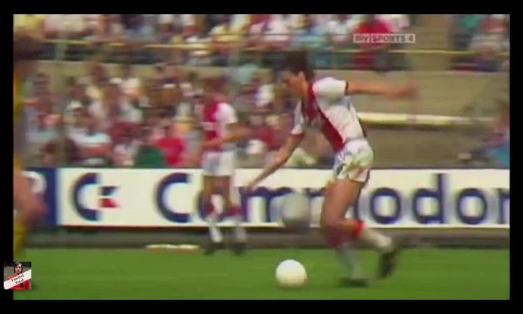 10 bàn thắng đẹp của Van Basten