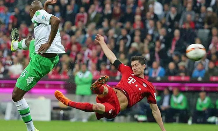 Lewandowski ghi 5 bàn trong 9 phút