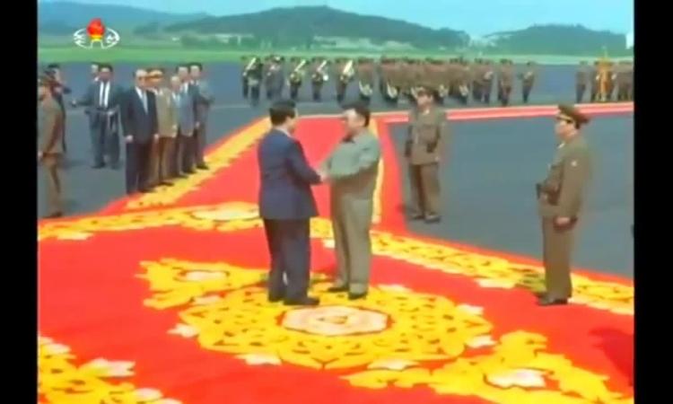 Tổng thống Hàn Quốc gặp lãnh đạo Triều Tiên năm 2000